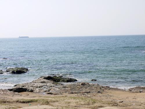 目の前の海です