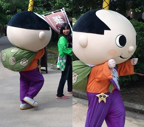 名古屋市のゆるキャラ「はち丸」くん