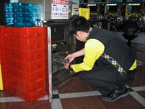 コイン洗浄機のメンテナンス