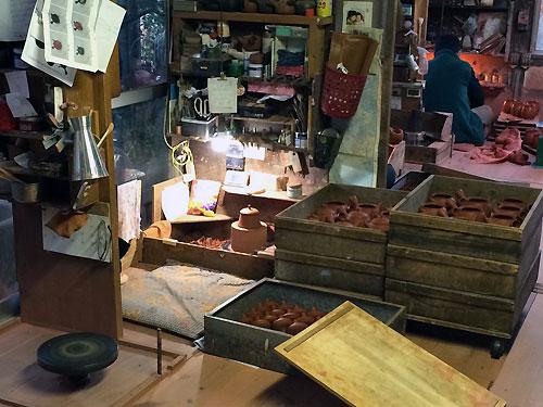 玉光陶園の工房