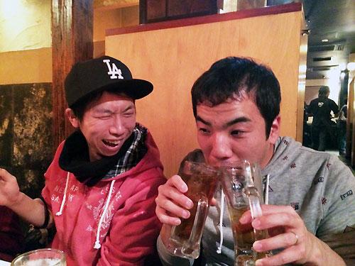 飲む男達☆