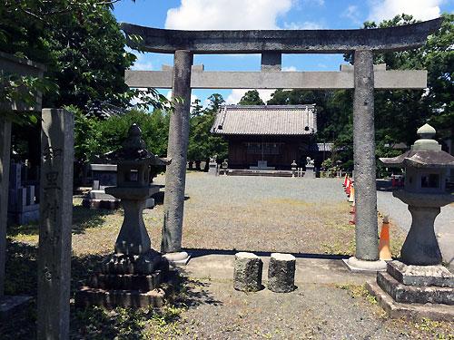 知里付神社2