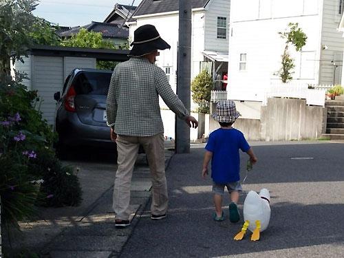 しんちゃんとお散歩♪