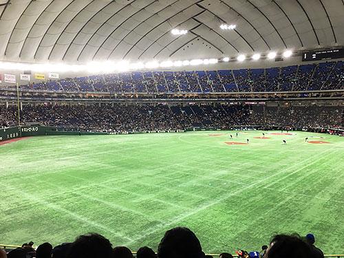 東京ドーム内