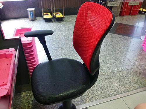 南店の椅子