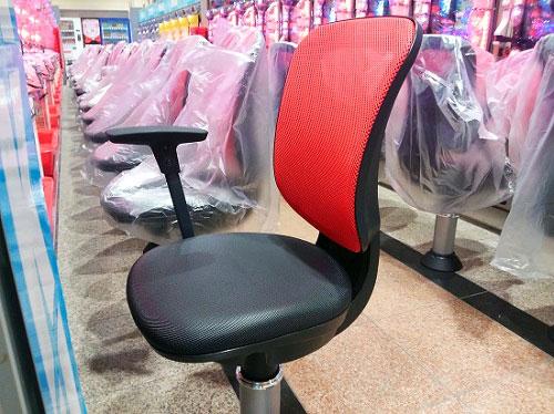 北店の椅子