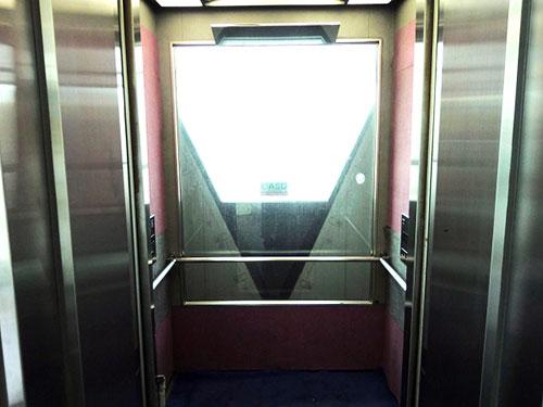 以前のエレベーター