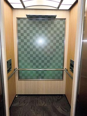 新しくなったエレベーター