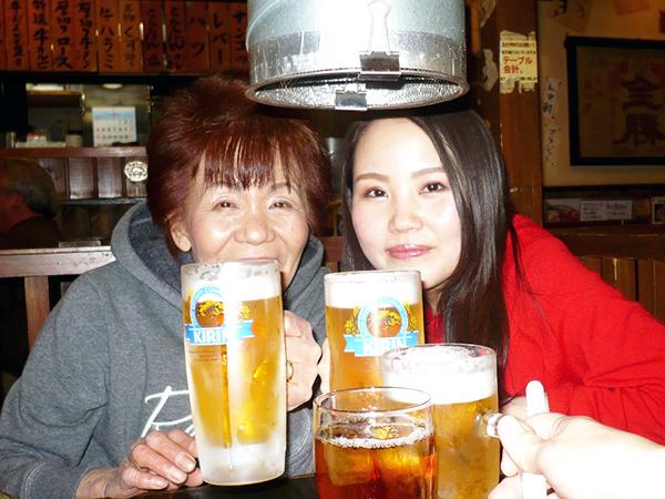 「乾杯!おめでとう!」