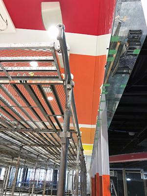 パチンココーナーの天井