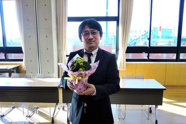 会議室とお花と私