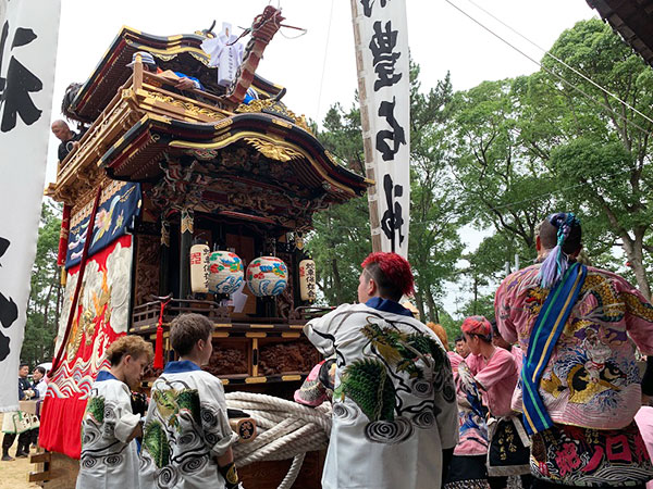 豊石神社にて