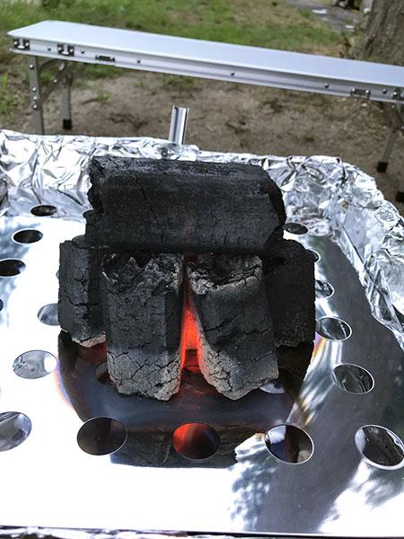 この炭、全然火がつかない