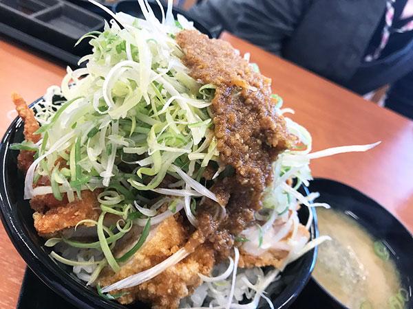 「ネギ極ダレ丼」ご飯大盛