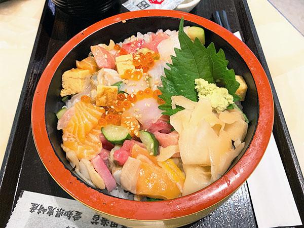 魚錠さんの海鮮丼②