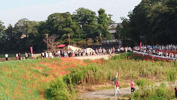 花嫁行列、矢勝川堤の到着