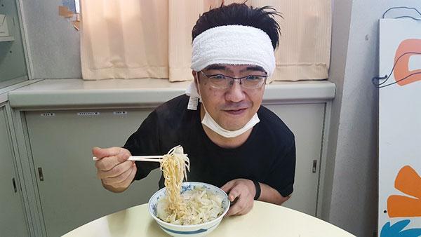 親父試食中