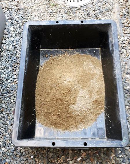 ふるいに掛けた砂(土)