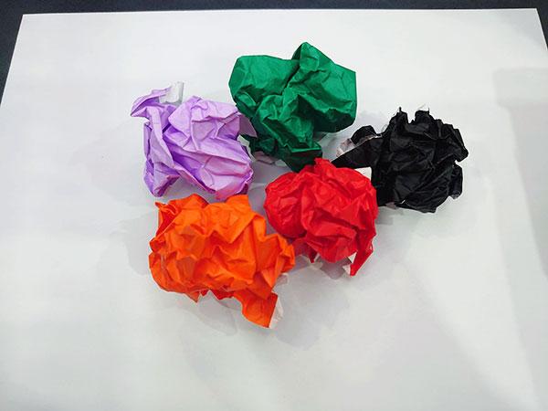 クシャクシャの折り紙